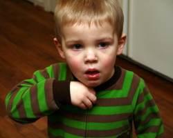 Сухой кашель у ребенка: причины и правильное лечение